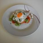 Ein super Frühstück: Hash Browns mit Süßkartoffeln, Avocado & Spiegelei