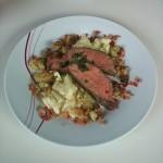 Rosa gebratener Tafelspitz mit Apfel-Rahmkohlrabi und Röstkartoffeln